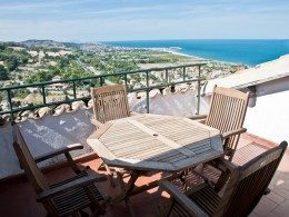 EXCLUSIVE HOUSE WITH PANORAMIC TERRACE FOR SALE IN LE MARCHE Property for sale in Torre di Palme whit fantastic sea view